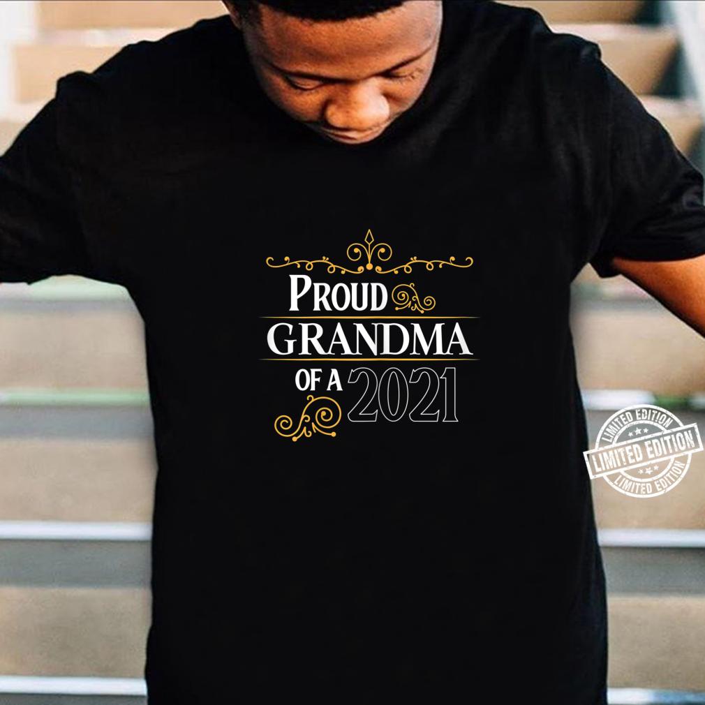 Damen Glückliche Grandma 2021 Baby is coming Schwanger Shirt
